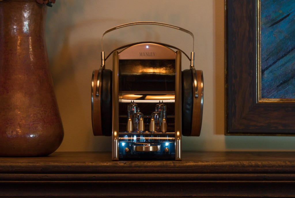 Manley_Absolute-headphone-Amplifier_1.jpg