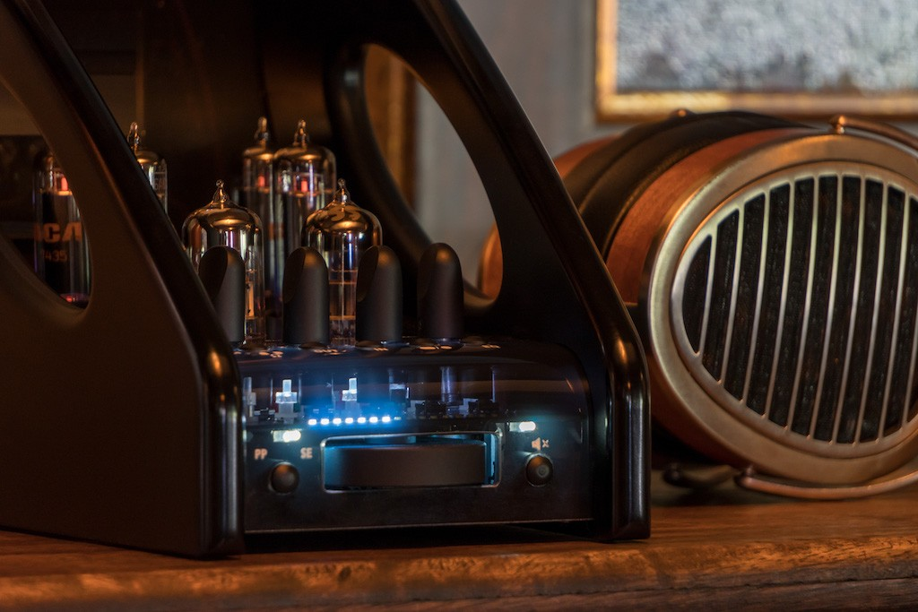 Manley_Absolute-headphone-Amplifier_2.jpg