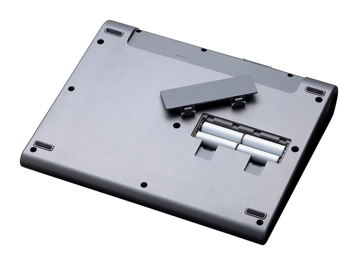 PodTrak_P8_07_Battery_press.jpg