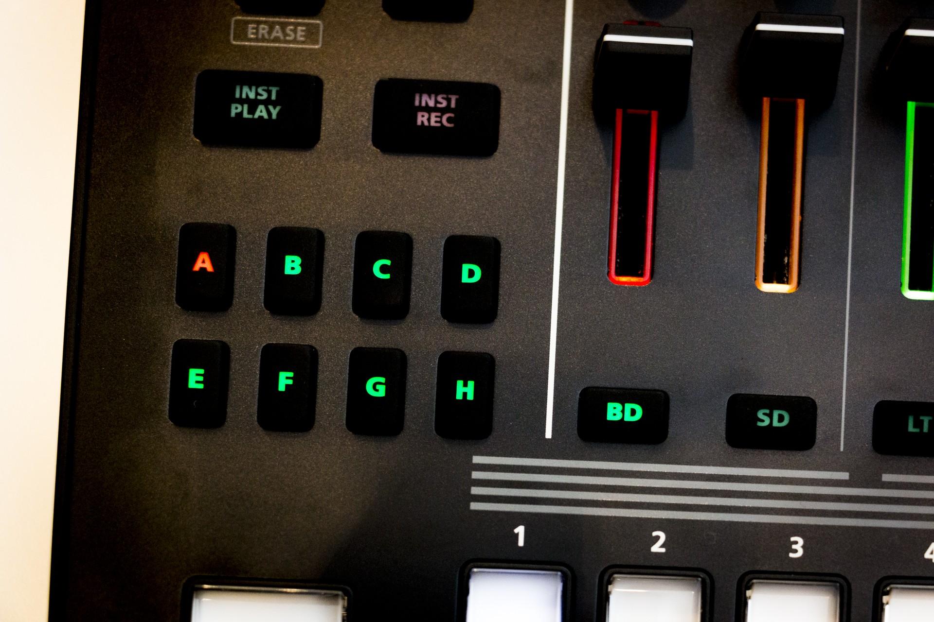 Roland-TR8S-007.jpg