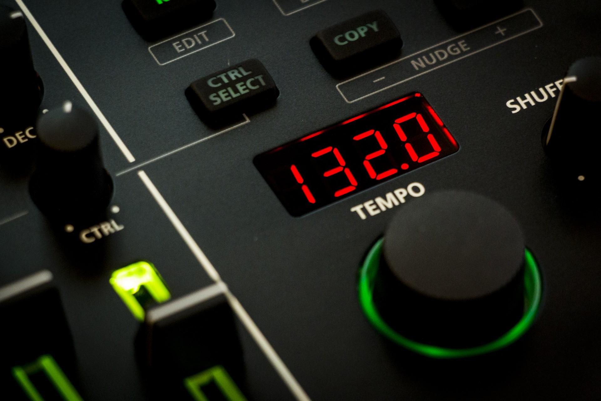 Roland-TR8S-009.jpg