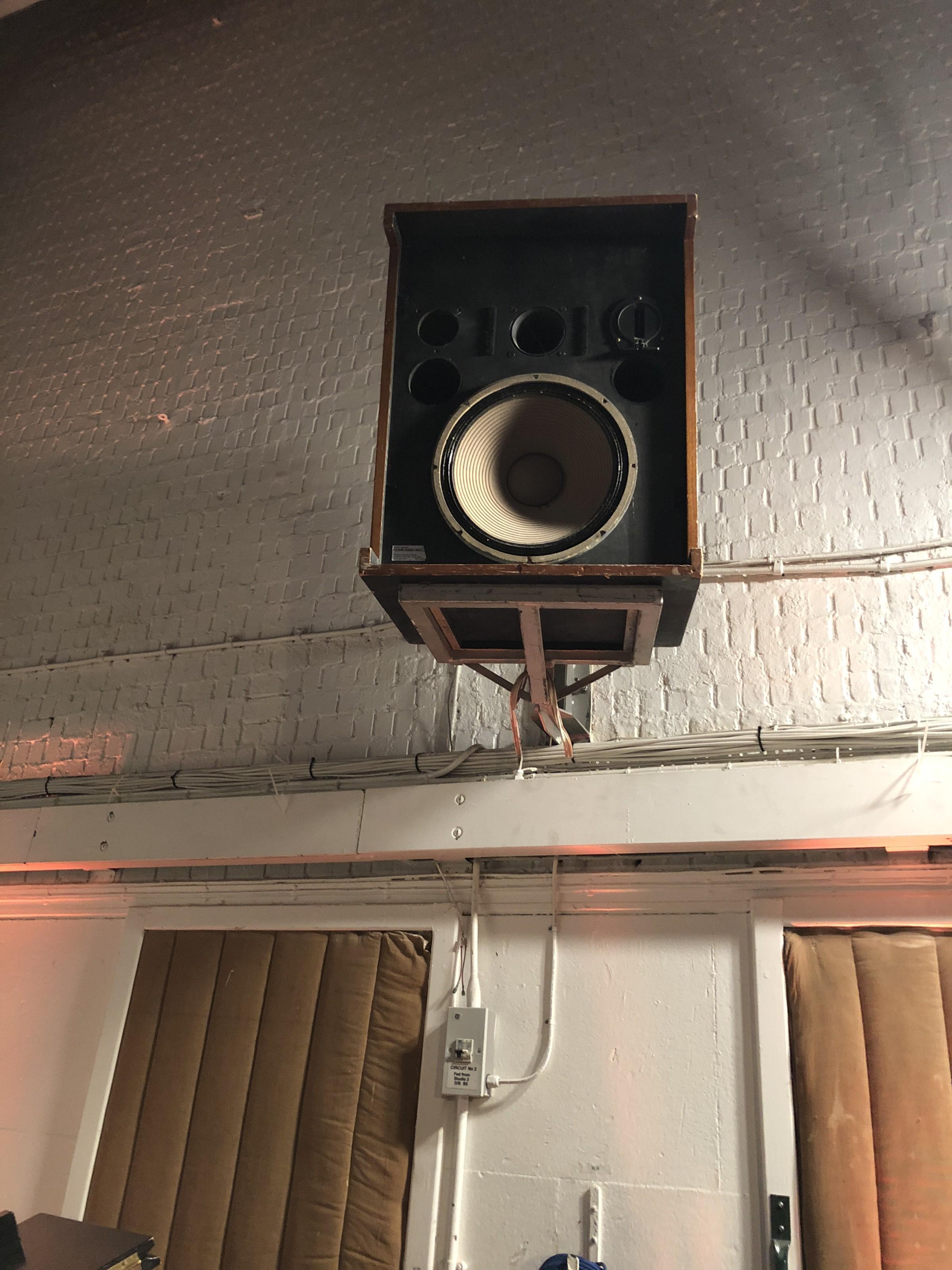 speaker_neu.jpg