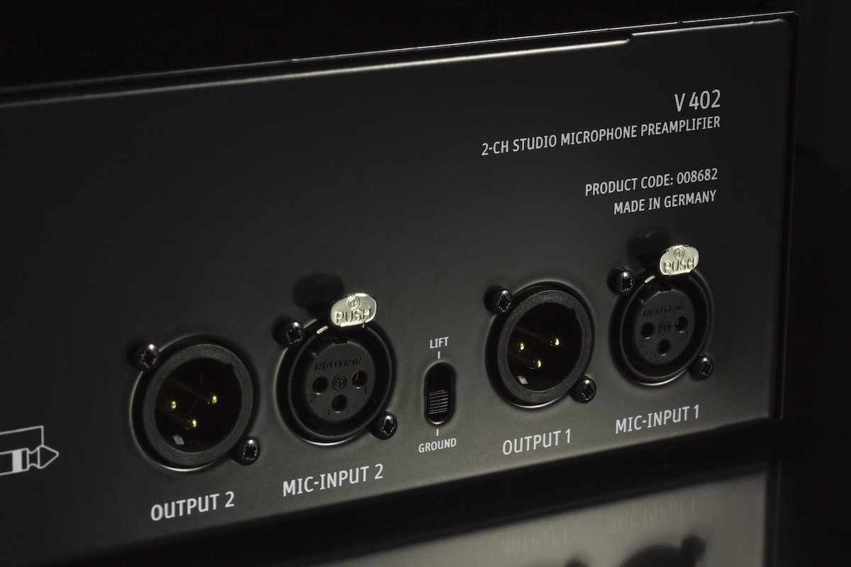V-402-Back-Right_Neumann-PreAmp_MR.jpg