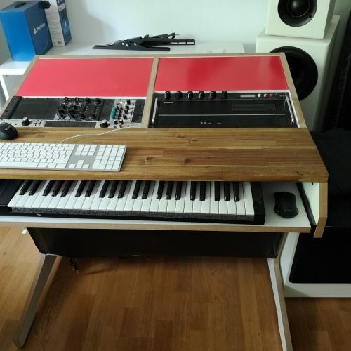 gebrauchte synthesizer orgeln oder vintage keys kaufen und verkaufen. Black Bedroom Furniture Sets. Home Design Ideas