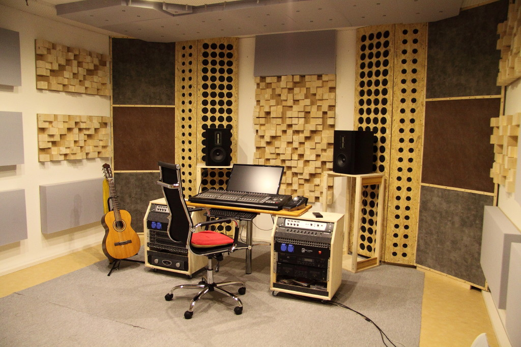 forum raumakustik d mmung warum akustik so wichtig. Black Bedroom Furniture Sets. Home Design Ideas